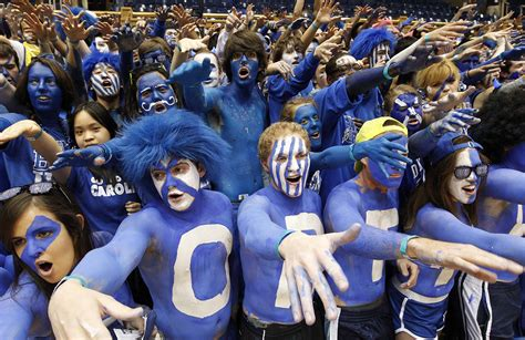 college sports fan crazy college sports fans www pixshark com images