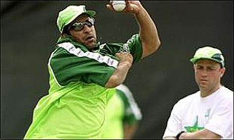 wasim akram swing bowling cricketlab richard pybus cricket coaching tips how to