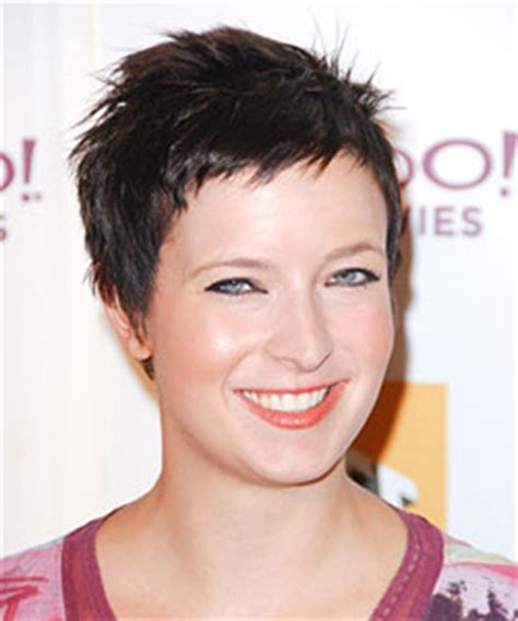 should you use razor cuts with fine hair pixie haircut why you should rethink this style