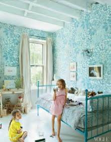 wallpaper for girls bedroom blue floral wallpaper girls bedroom simplified bee