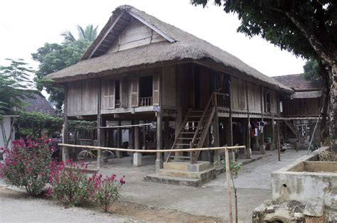 stilts house file a thai stilt house 4115406064 jpg wikimedia commons