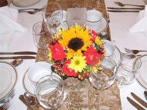 small centerpiece ideas ideas for inexpensive wedding centerpieces wedding