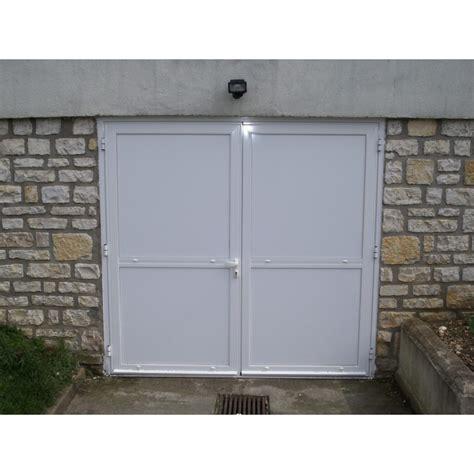 porte garage prix porte de garage 2 vantaux a la fen 234 tre