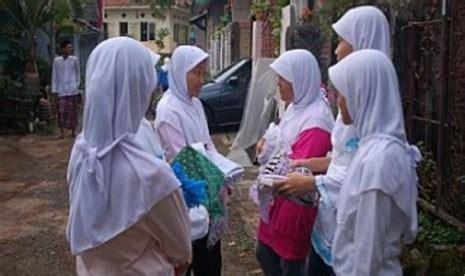 Ah Jilbab Serut Jokowi komnas ham pelarangan jilbab terjadi hir di seluruh bali republika