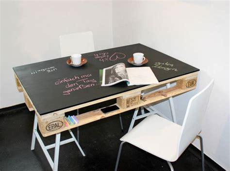 bureau en palette de bois la palette en bois dans tous ses 233 tats d 233 coration