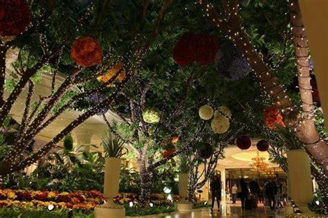 beautiful indoor garden picture  wynn las vegas
