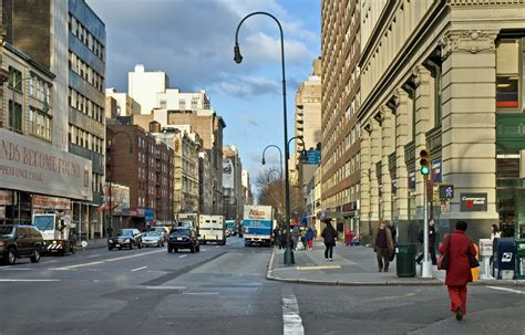 st corner file nyc 14th street looking west 12 2005 jpg wikipedia