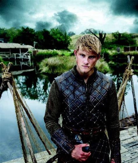 bjorn lothbrok viking season 2 bjorn lothbrok pinterest top 25 ideas about vikings on pinterest alexander ludwig