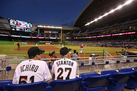 marlins fanfest to feature alumni home run derby