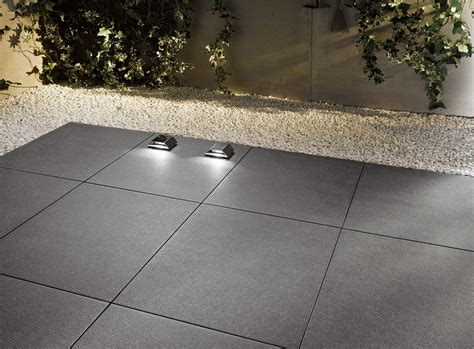 mattonelle per terrazzi piastrelle per esterni che materiale scegliere cose di casa