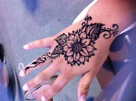 sunflower henna tattoo inked amp punctured pinterest