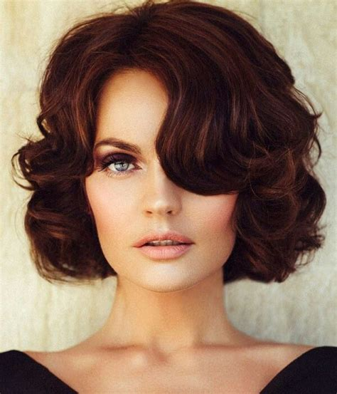 best haircut for recessed chin curly hair 25 best ideas about chin length hairstyles on pinterest