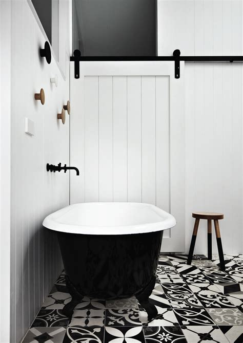 71 cool black and white bathroom design ideas digsdigs 71 cool black and white bathroom design ideas digsdigs