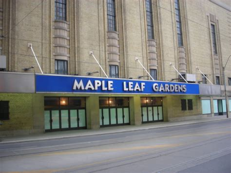 file loblaws at maple leaf file maple leaf gardens 2009 jpg wikimedia commons