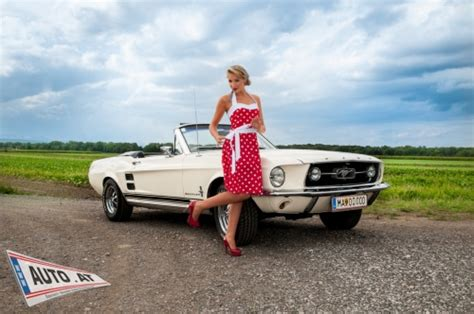 Mustang Auto Kalender by Pin Up Pia Kalender Mit Mustang Fotos Oldtimer Auto At