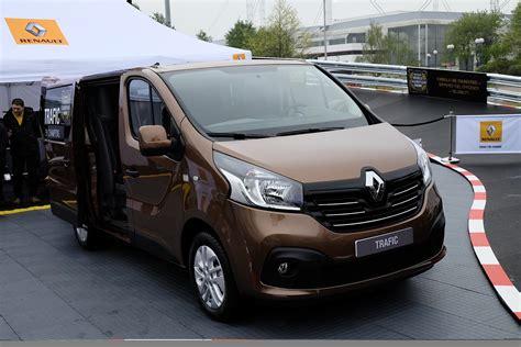 renault van new renault master panel van unveiled at cv show