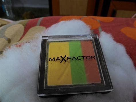 what factor affects the color of a max factor max colour effects trio eyeshadow 4 bee