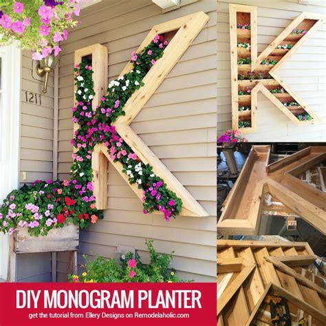 monogram planter remodelaholic diy monogram planter tutorial