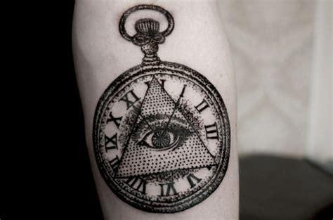 persona illuminata tatuajes illuminati el ojo que todo lo ve
