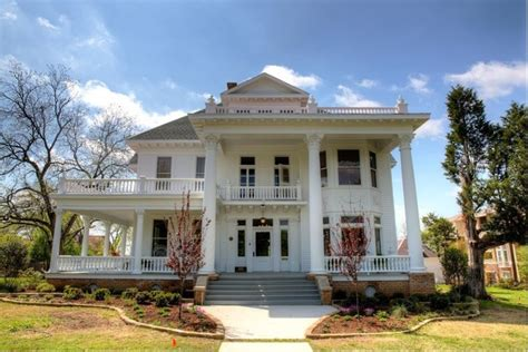 1900 colonial revival historic home renovation and restoration
