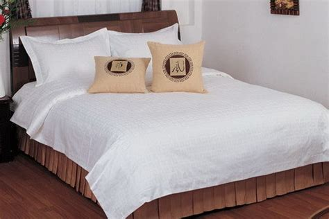 white hotel comforter china plian white hotel use bedding set china bed linen