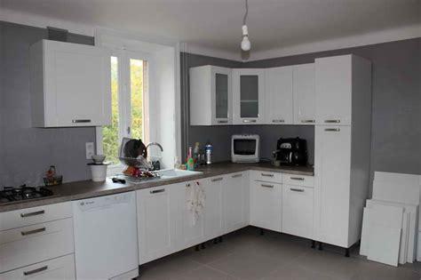 Incroyable Cuisine Grise Quelle Couleur Au Mur #1: couleur-peinture-mur-cuisine-couleur-mur-cuisine-pdc-peinture-choisir-murale-pour-idee-carrelage-mural-05302230-conseil-avec-grise-blanche-rustique-la-deco-o.jpg