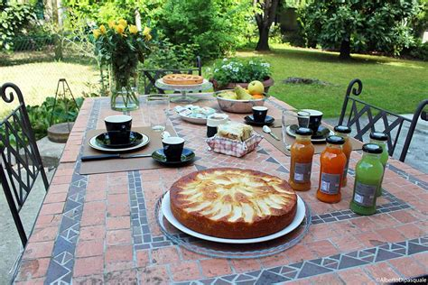 colazione in giardino colazione in giardino la sosta bed breakfast