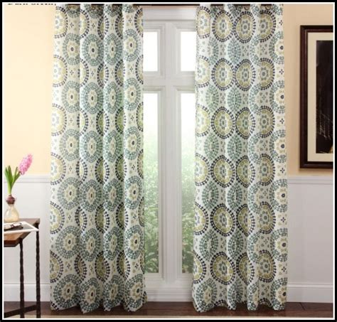 hanging drapes with grommets hanging curtain rods for grommet curtains curtains