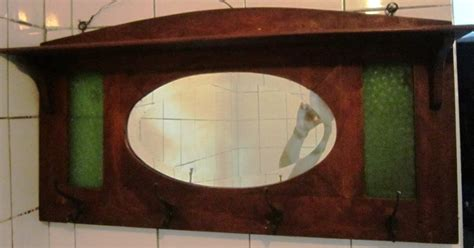 Patung Babi Sepasang Topi antik dan seni gantungan baju dengan cermin gantungan 01