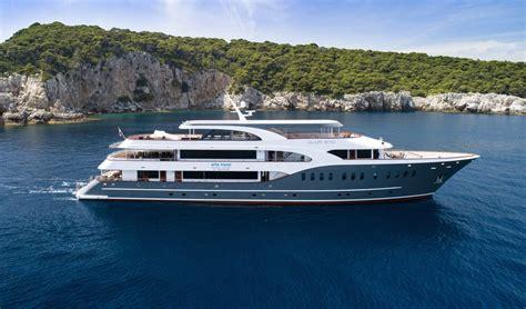 small boat cruise croatia deluxe cruise croatia