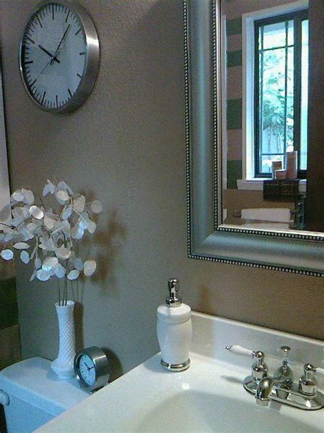 bathroom decorating ideas budget small bathroom decorating ideas on tight budget