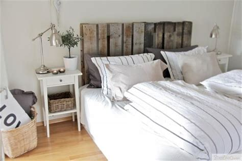 Headboard Pallet by 40 Recycled Diy Pallet Headboard Ideas 99 Pallets