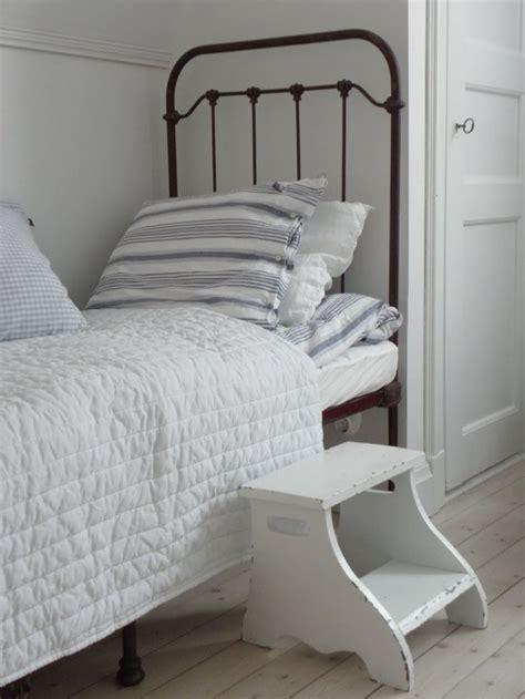 white step stool for bedroom pin by avant gardenist on bedroom pinterest farmhouse