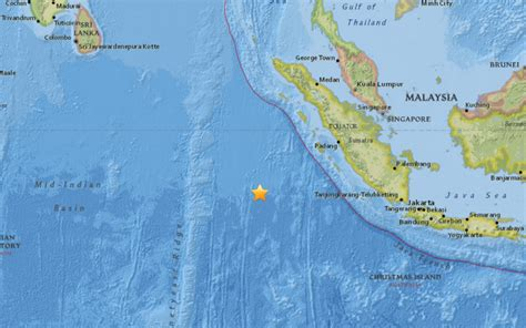 earthquake at indonesia indonesia earthquake deaths confirmed as huge tremor hits