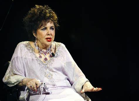 elizabeth taylor died famous celebrity deaths strange true facts strange weird