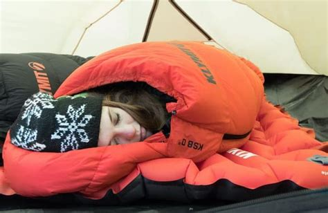 Sleeping Mask Model Kodok Dengan Bag vs synthetic sleeping bag which one is better and why