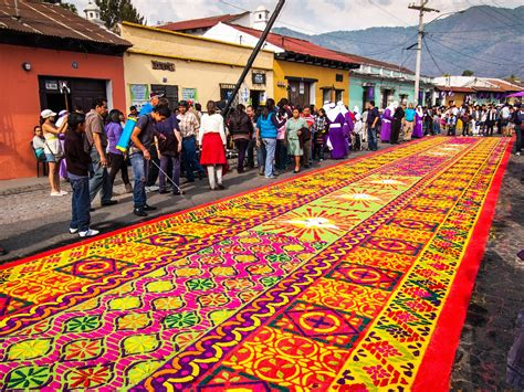 alfombras guatemala semana santa easter in guatemala antigua s alfombras decorate the city