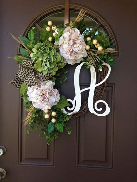 wreath ideas for front door only best 25 ideas about front door initial on pinterest