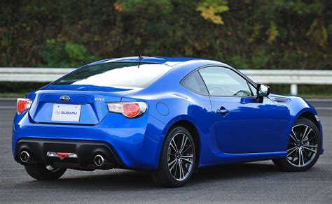 subaru sports car brz subaru brz sports coupe with more details and a video