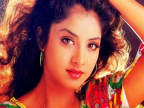 actress divya bharti wallpaper 4k ultra hd wallpaper divya bharti hd wallpapers
