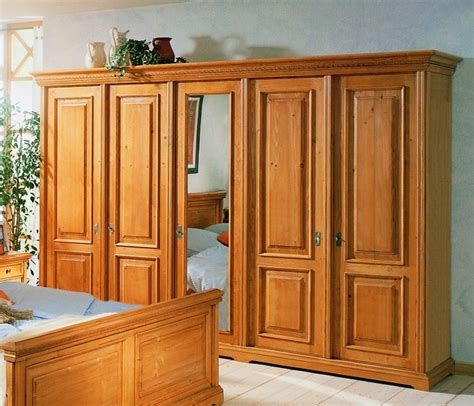 kleiderschrank 5 türig weiß designer schlafzimmer betten