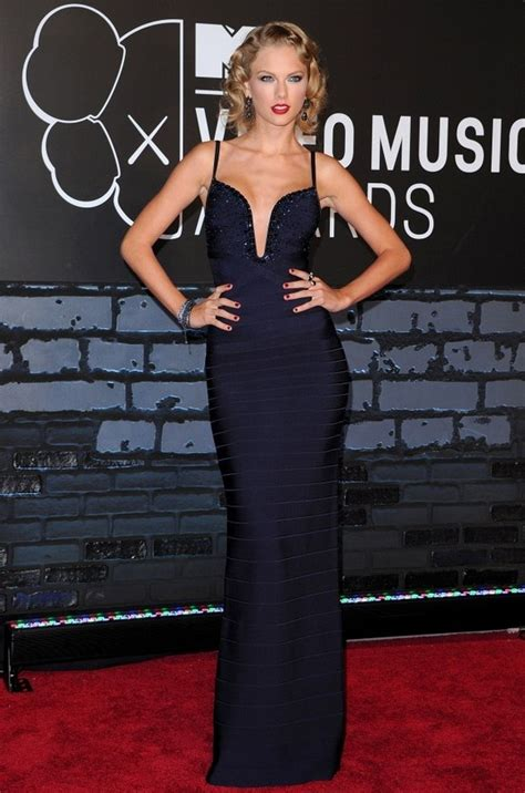 taylor swift herve leger dress 13 sexiest bandage dresses a simple and modern look for