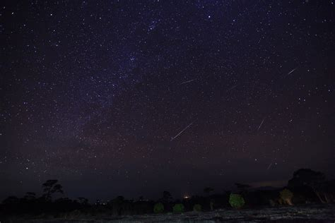 Meteor Shower In Australia by How To Tonight S Geminid Meteor Shower In Australia