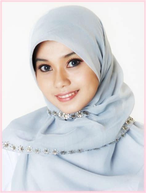 model jilbab hijab terbaru dengan berbagai gaya yang harus anda model jilbab cantik newhairstylesformen2014 com
