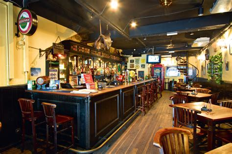 Bulldog English Pub & Restaurant   Bars and pubs in