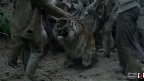 how to a to play dead the walking dead 8x04 shiva saves ezekiel