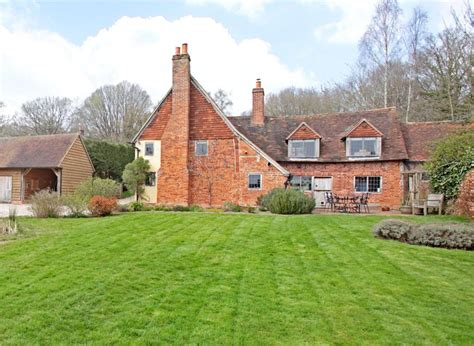 bucklebury berkshire 3 bedroom character property for sale in the avenue