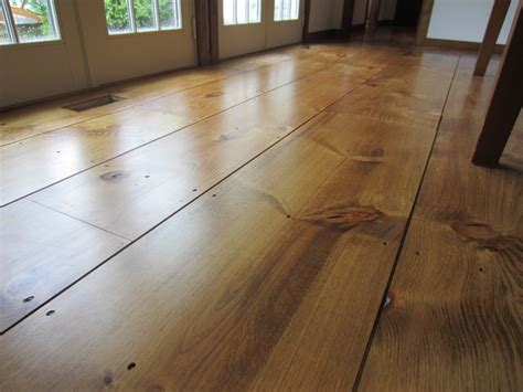Wide Plank Pine Flooring Get This Look Rustic Horizontal White Pine Paneling Eastern White Pine