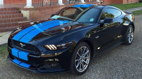 black mustang with grabber blue stripes grabber blue stripes on 2015 ford mustang gt fastback are