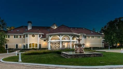 50 cent buys mike tyson house 50 cent finally sells his connecticut mansion